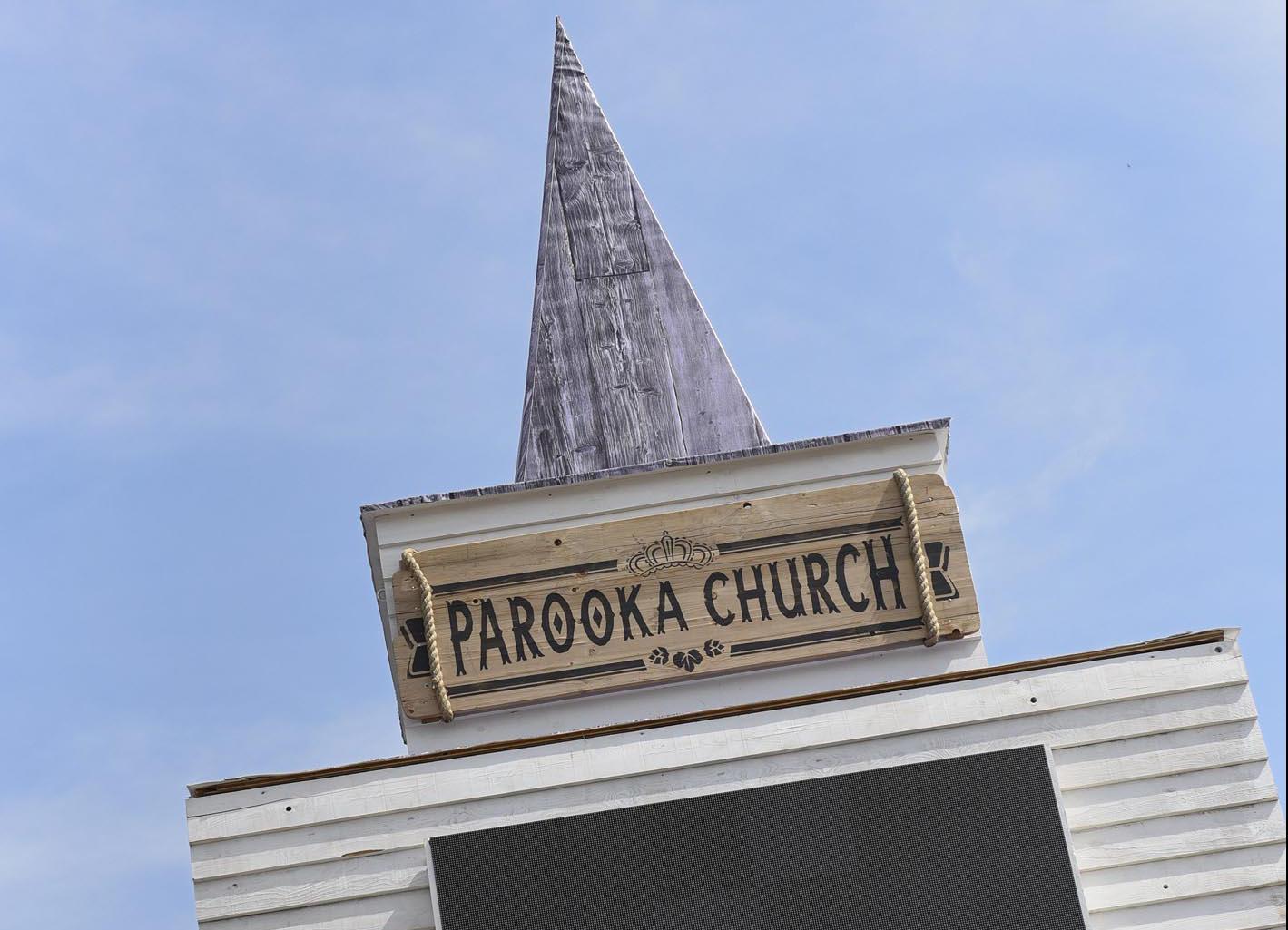 Julia und OIiver sagen Ja in der Parooka Church  NNOnline