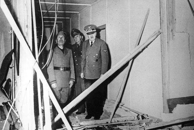 Praėjus tik trims valandoms po pasikėsinimo į jo gyvybę Hitleris priima Musolinį ir aprodo jam sprogimo nuniokotą pasitarimų kambarį