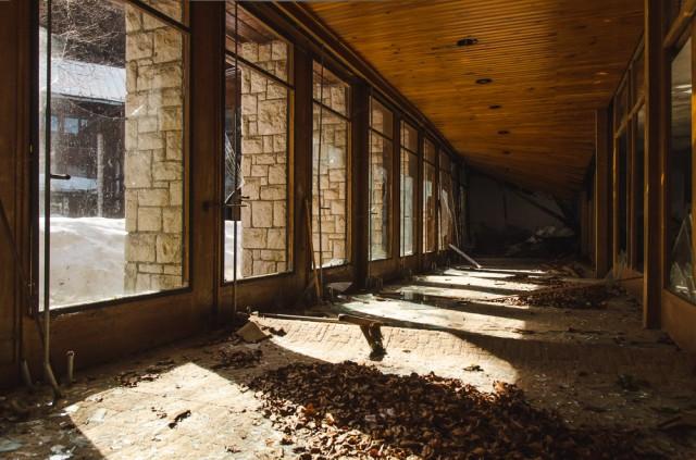 Didžioji dalis pastato buvo išklota minkštučiais kilimais
