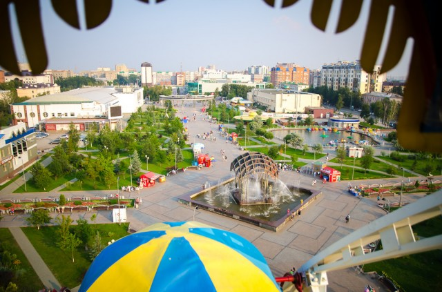 Цветной бульвар. Miesto aikštė prisišliejusi prie Lenino gatvės