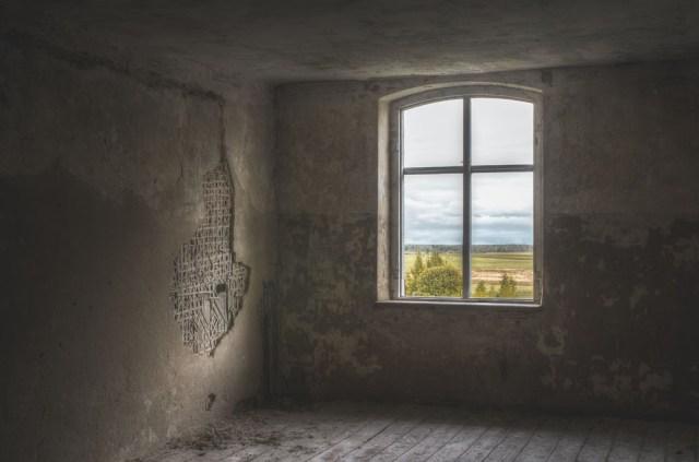 Mažas kambarėlis rytinėje palėpės dalyje