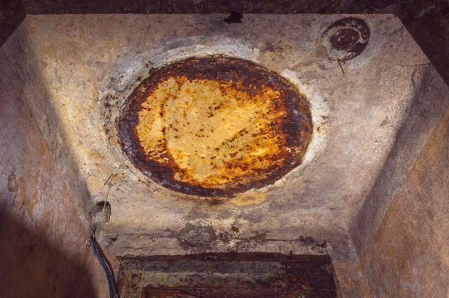 Taupumo sumetimais vieno ventiliacinio kanalo buvo atsisakyta, jis kažkuriuo metu buvo užvirintas