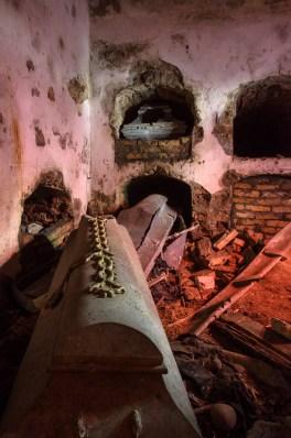 Kripta nuo vagių ir vandalų kentėjo visą šimtmetį