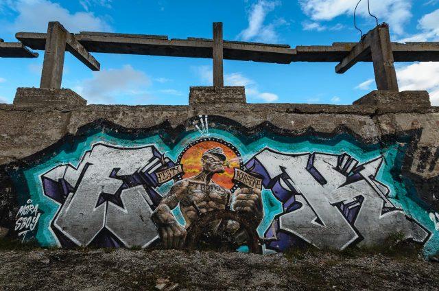Superinis grafiti ten pat