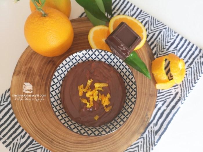 krem czekoladowo-pomarańczowy, krem czekoladowy, krem pomarańczowy, krem czekoladowy z pomarańczą, budyń czekoladowo-pomarańczowy, pudding czekoladowo-pomarańczowy, budyń czekoladowy z pomarańczą, pudding czekoladowy z pomarańczą, crema pasticciera z czekoladą, krem z czekolady i pomarańczy, szybki krem czekoladowy, szybki budyń czekoladowy, szybki pudding czekoladowy, szybki krem czekoladowo-pomarańczowy, szybki pudding czekoladowo-pomarańczowy, szybki budyń czekoladowo-pomarańczowy, nadzienie czekoladowe do babeczek, nadzienie czekoloadowo-pomarańczowe do babeczek, nadzienie czekoladowe do tortu, nadzienie czekoladowo-pomarańczowe do tortu, nadzienie do crostaty, sycylijska crostata, crostata z kremem czekoladowym, crostata z kremem czekoladowo-pomarańczowym, ciasto sycylijskie, krem sycylijski, krem z pomarańczą