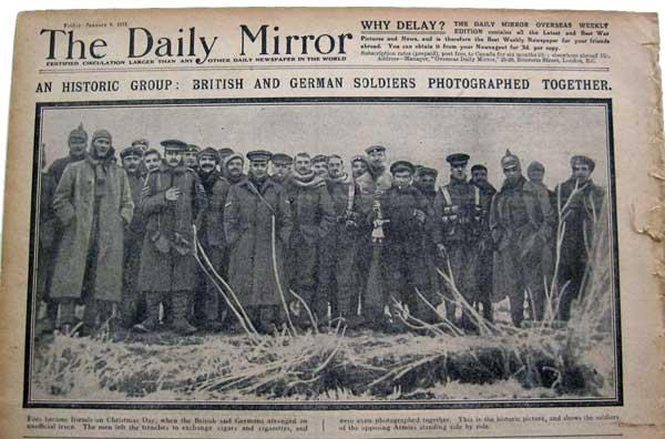 Sensacja: Brytyjscy iNiemieccy żołnierze podYpres zrobili sobie wspólne zdjęcie