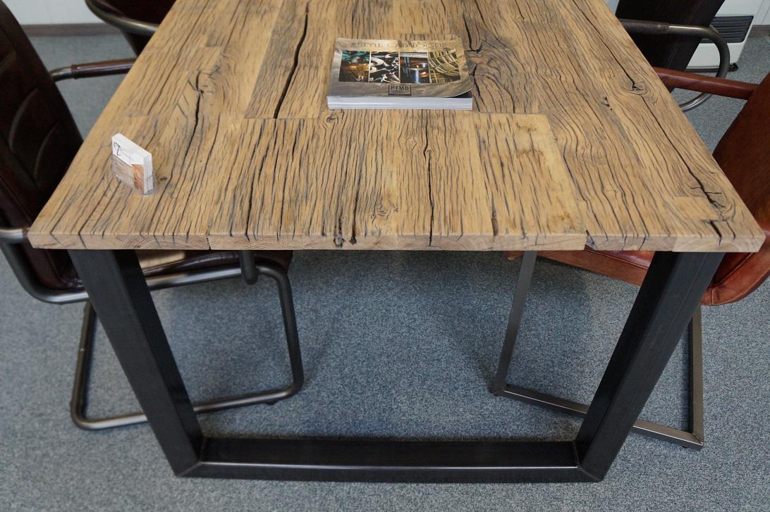 Houten tafel opknappen affordable van hout with houten for Zelf tafel maken hout