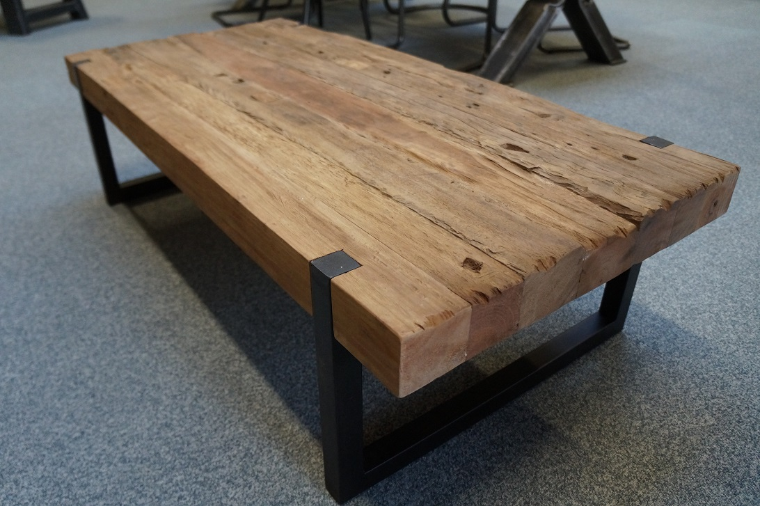 Massieve salontafel oud hout  NietZoMaarHoutnl