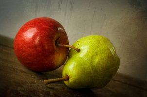 Een appel en een peer. Copyright foto: Theresa Howes