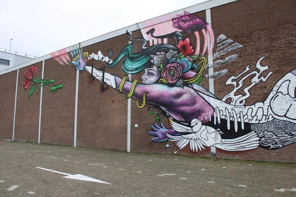 Binckhorst street art: Flying Lady