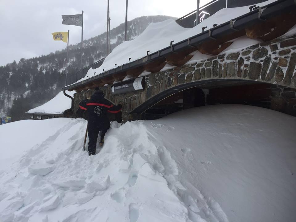 Ordino Arcalís enterrada bajo la nieve