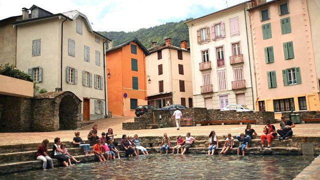 En Ax les Thermes es posible disfrutar de las aguas termales en plena calle FOTO: Les Pyrénées