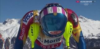 Mikaela Shiffrin concentrada antes de la segunda manga del slalom, donde certificó su tercer título consecutivo de campeona del mundo FOTO: Eurosport