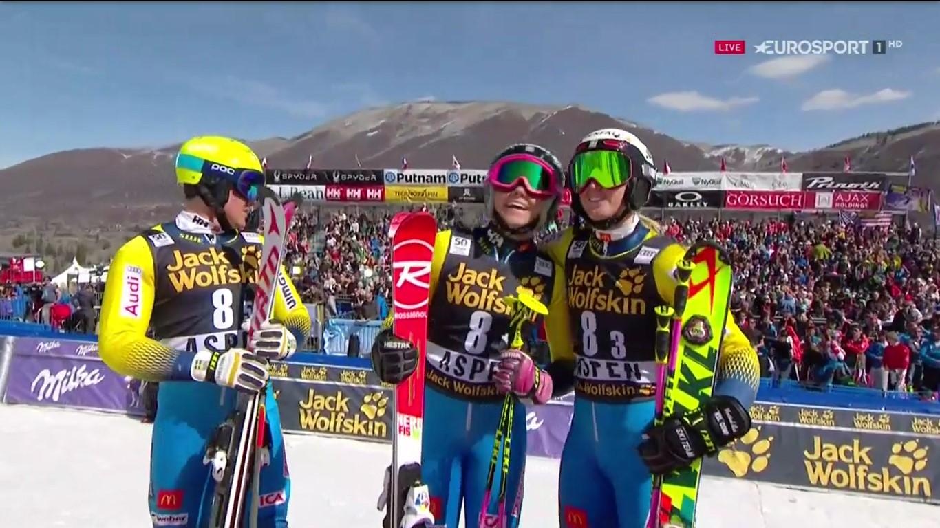Frida Hansdotter, Mattias Hargin y Emelie Wikstroem contemplan la bajada de su compañero Andre Myhrer sabiendo que la victoria ya era suya FOTO: Eurosport