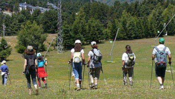 El nordic walking se traduce en una actividad muy saludable para todos los públicos