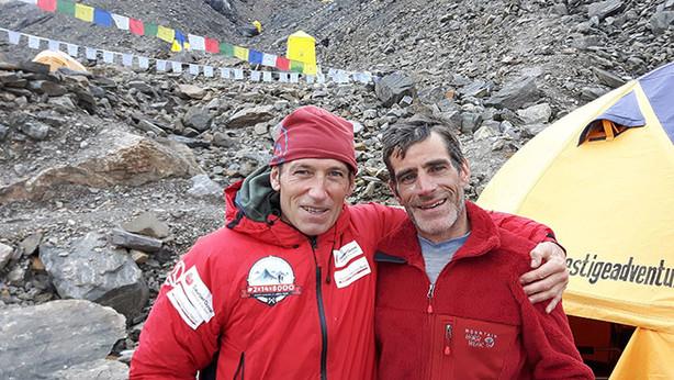 Alberto Zerain y Mariano Galván, en el Campo Base del Manaslu en octubre de 2016. (Foto: 2x14x8000)