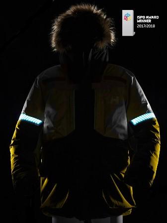 Detalle de la chaqueta en la oscuridad