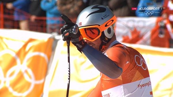 Aksel Lund Svindal ha hecho historia al ser el primer campeón olímpico de descenso noruego y el más veterano a sus 35 años