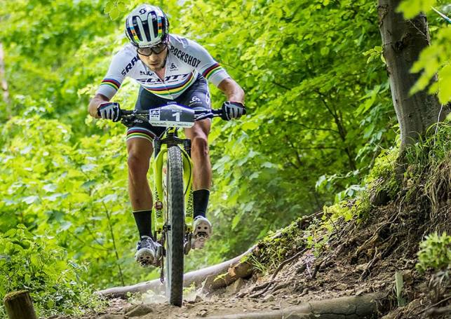 El suizo, Nino Schurter, sigue en plena forma