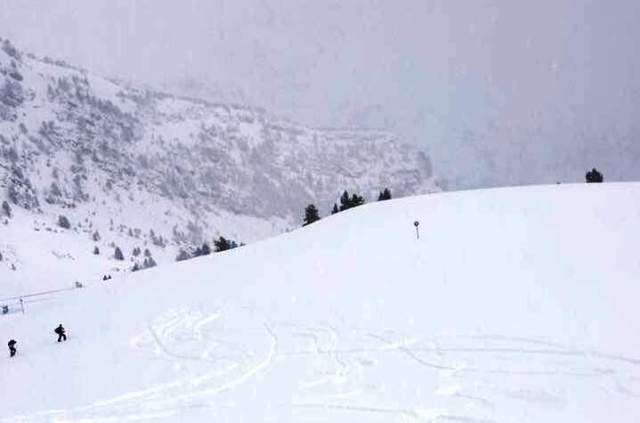 La nevada del fin de semana en Ordino ha devuelto la nieve polvo a imagen y semejanza del invierno