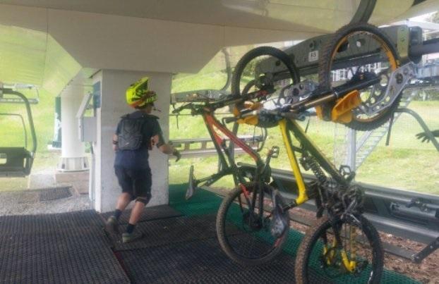Llega el verano y en La Molina se cambian los esquís por las bicicletas