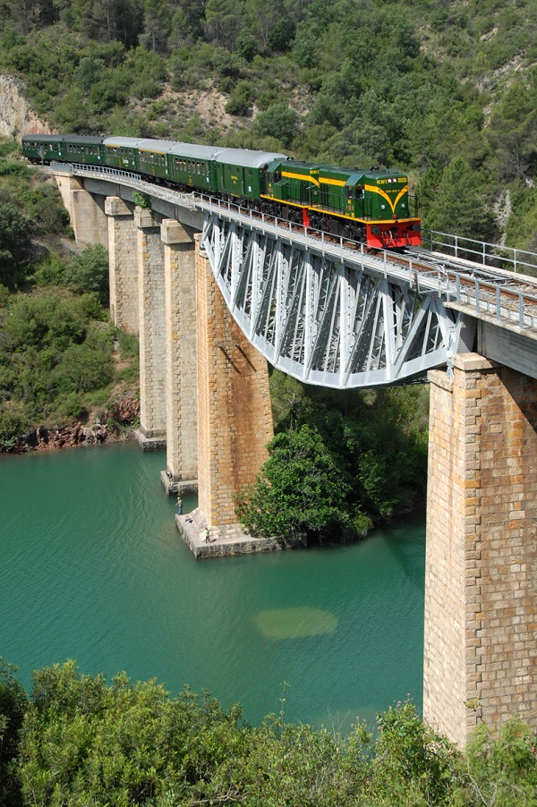 FGC propone una amplia variedad de recorridos en trenes turísticos FOTO: FGC