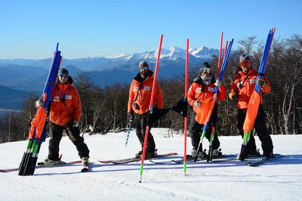 La convivencia y el trabajo cohesiona el equipo y madura con mayor rapidez a sus integrantes. FOTO: FCEH