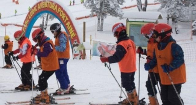 Escolares en las pistas del Pirineo de Lleida