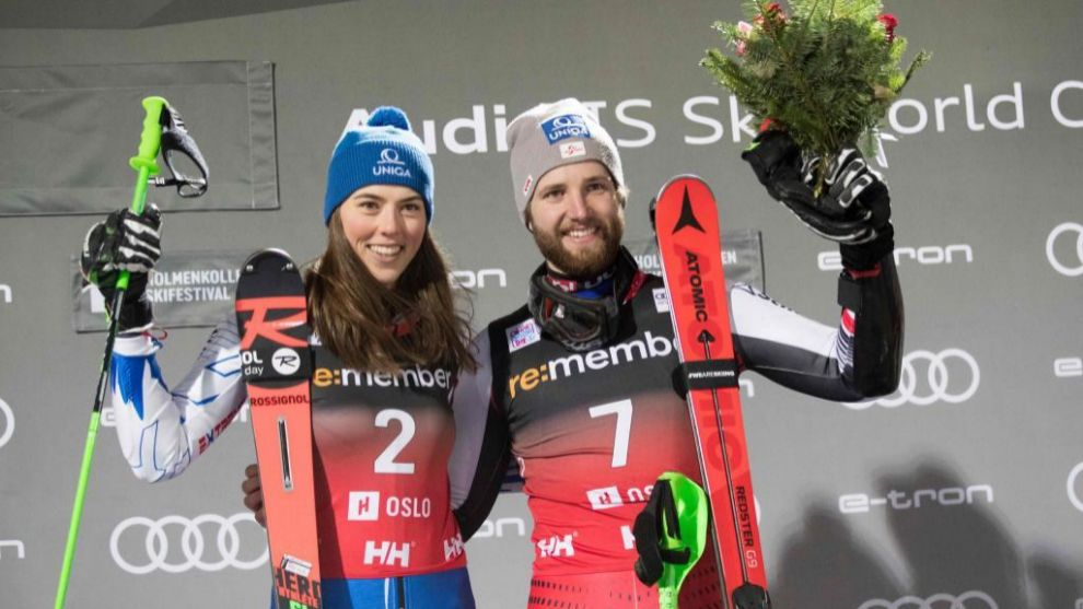 Petra Vlhova y Marco Schwarz, vencedores del City Event de Oslo. FOTO: AFP/Marca