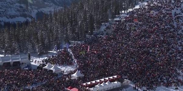 Cerca de 50.000 personas no han querido perderse 'in situ' un descenso mítico.