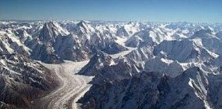 El calentamiento global amenaza a los glaciares de la cordillera más alta del Planeta