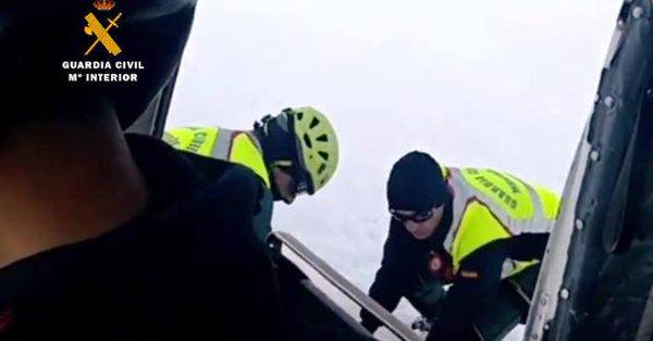 Los agentes de la Guardia Civil han procedido a la recuperación del cadáver