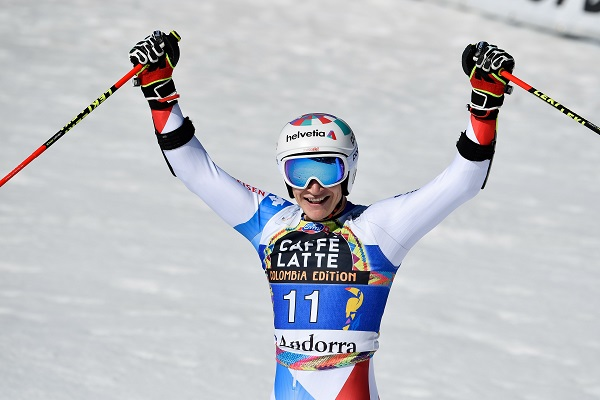 Marco Odermatt acabó segundo en el gigante de Soldeu con una lesión de menisco. FOTO: Alain Grosclaude/ZOOM