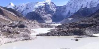 El aumento de la temperatura pone en riesgo la cordillera más alta del planeta