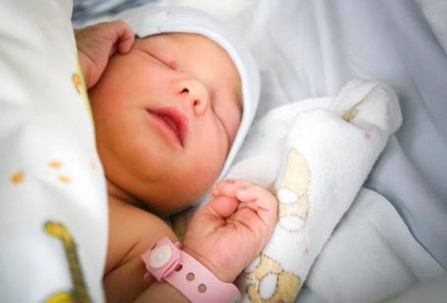 La hija de Jornet recién nacida