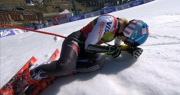 Mikaela Shiffrin tras cerrar con victoria la temporada en el gigante de Soldeu.