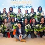 Foto de grupo de las galardonadas en los Premios Nacionales de Deportres de Nieve. FOTO: RFEDI