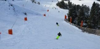Los gruesos de nieve van de 60 a 90 cm