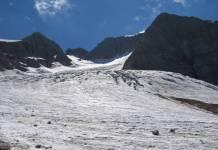 Una imagen del retroceso del glaciar italianod e la marmolada, en las Dolomitas