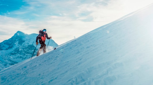 Kilian Jornet esquiando en Noruega