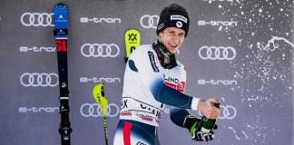 Tercera victoria de la temporada para Clément Noël, hoy en el slalom de Chamonix. FOTO: Marca/AFP