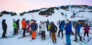 Una treintena de esquiadores fueron los privilegiados de esquiar y recuperar fuerzas con un desayuno nutritivo con el mejor huevo del mundo