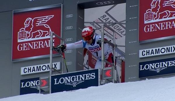 Loic Meillard estrena palmarés en la Copa del Mundo al ganar el gigante paralelo de Chamonix.