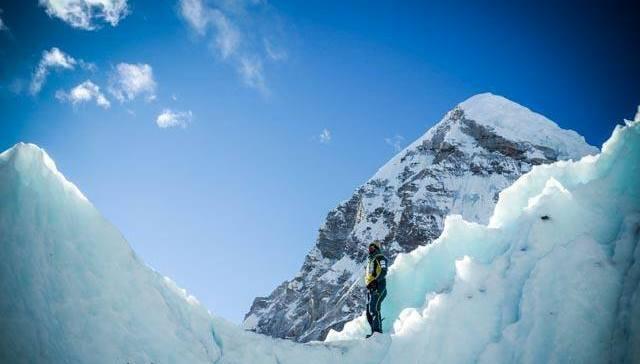 Bontita imagen del Everest invernal, a cargo de la expedición de Txikon