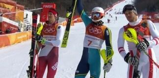 Andre Myhrer celebra su oro en el slalom de Pyeongchang junto a Ramon Zenhaeusern y Michael Matt.