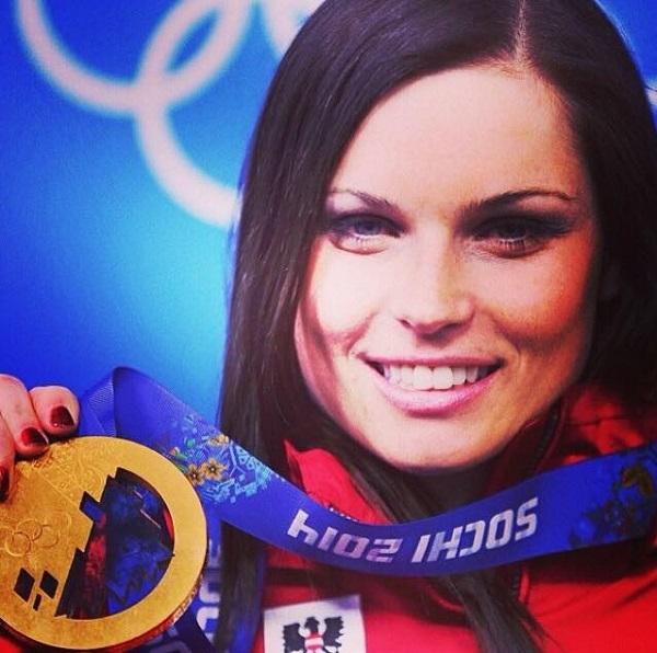 Anna Veith, con el oro olímpico de super G ganado en Sochi. FOTO: Facebook A.V.