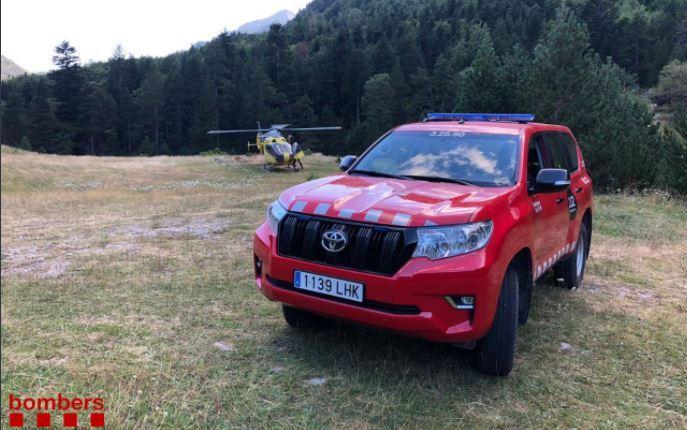 Los Bombers de la Generalitat durante el rescate en la vall de Boí