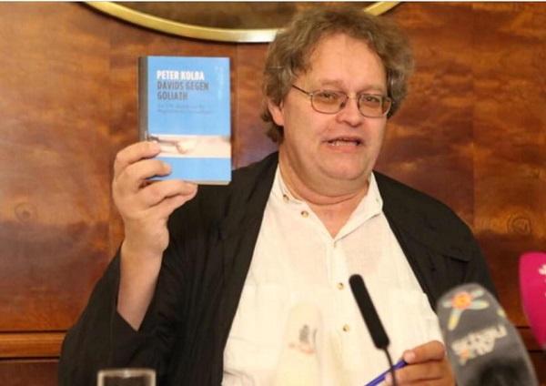 Peter Kolba, director de la Asociación Austriaca de Protección al Consumidor. FOTO: Facebook Peter Kolba