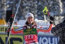 Viktoria Rebensburg tras ganar el pasado diciembre el super G de Lake Louise, que sería su penúltima victoria en la Copa del Mundo.