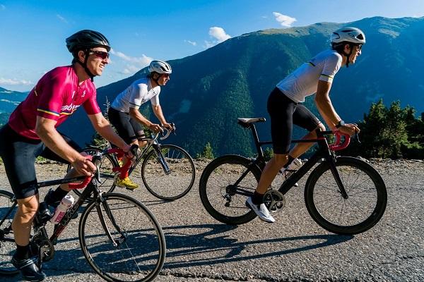 Vallter 2000 se consolida como un destino popular para los practicantes de ciclismo de carretera